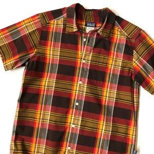 Patagonia men's plaid shirt sleeve shirt